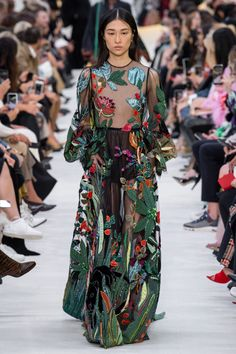 Valentino Ready-To-Wear | Коллекции весна-лето 2020 | Париж | VOGUE
