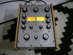 Compact Disco Soundsystem DS-2233FW portable rotary mixer with channel EQ & 3 band ISO