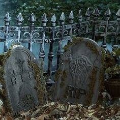 Spooky yard cemetery decorations for #Halloween