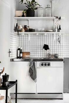 38 Unique Kitchen Storage Ideas - Easy Storage Solutions for Kitchens Clever Kitchen Storage, Smart Kitchen, Kitchen Shelves, Country Kitchen, Diy Kitchen, Kitchen Interior, Vintage Kitchen, Kitchen Dining, Kitchen Decor
