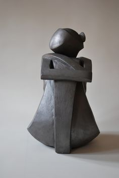 Girl Sculpture by Nyári Flóra 2013 During the period of the girl's five-decade profession, artist Modern Sculpture, Sculpture Clay, Abstract Sculpture, Bronze Sculpture, Ceramic Sculpture Figurative, Art Visage, Sculptures Céramiques, Ceramic Figures, Stone Carving