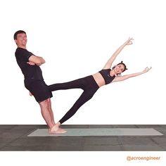 5 Super Effective Yoga Poses To Perform Every Day Acro Yoga Poses, Yoga Poses For Two, Bikram Yoga, Crazy Yoga Poses, Tai Chi, Crossfit Couple, Yoga Posses, Acrobatic Gymnastics, Yoga Pictures