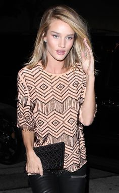 • Could she be anymore stunning?? Rosie heads to dinner at Craig's •