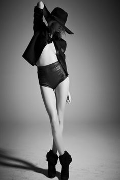 Fashion Model Pose - black & white fashion photography inspiration // Fairfax Journal