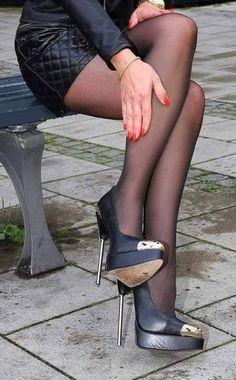Wat Shoes Did F Wear