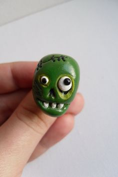 The Zombie Ring - Halloween Jewelry - Adjustable Ring - Polymer Clay Zombie Head - OOAK
