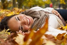 Ashleigh Noelle Photography portrait, fall, autumn, leaves, smile, model, photography