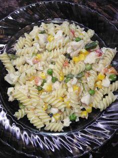 Tejszínes mexikói zöldséges csirkemelles tészta Pasta Salad, Ethnic Recipes, Food, Crab Pasta Salad, Essen, Meals, Yemek, Eten