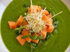 This #Raw #Kale #Soup is full of healthy goodness