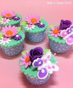 Bee's Cake: Flower Cupcakes