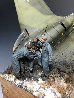 Me 163 Komet An incredible masterpiece by Greg Cihlar . The kit is from Meng .
