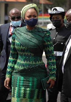 Samira Bawumia's stunning look Latest African Fashion Dresses, African Print Dresses, African Print Fashion, African Dress, African Prints, African Style, Ghana Style, African Traditional Wedding, Kente Styles