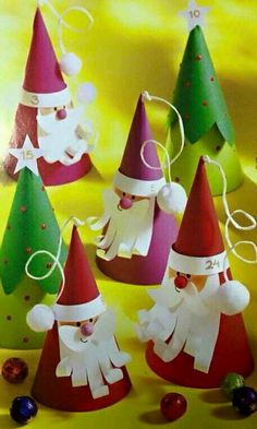 25 Amazing Santa Kids Crafts to Try Right Now Fill your December with Christmas crafts! Try these amazing Santa Claus kids crafts today. They're sure to brighten your holiday and keep the kids busy. Christmas Crafts For Kids To Make, Christmas Activities, Christmas Projects, Preschool Activities, Christmas Ideas, Preschool Learning, Summer Activities, Simple Christmas, Santa Crafts