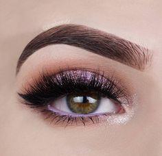 Un toque rosa en nuestro maquillaje nunca esta demás. #Ojos #Sombras #EyeLook