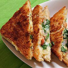 Spinach Potato Sandwich / Palak Aloo Sandwich Recipe, Indian Food recipe, Vegetarian recipe