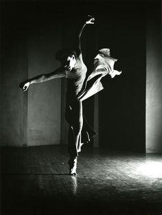 Photographer Barbara Morgan, Bea Seckler Solo, 1938 #womensart