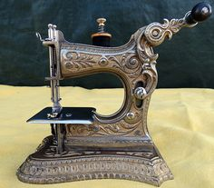 RARE Antique Muller Model 6 Fancy Front Crank Toy Hand Crank Sewing Machine | eBay So pretty!