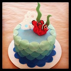 I like the fondant wave effect with all the circles and color ombre