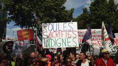 """""""RSI = racket sans interruption""""... Environ 2000 artisans et commerçants ont crié leur colère contre le régime social des indépendants le 21 septembre à Paris."""