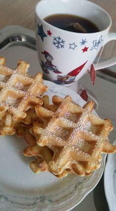 Faguri / Waffles – Lorelley.blog Baby Food Recipes, Cooking Recipes, Yami Yami, Waffles, Breakfast, Blog, Sweets, Recipes For Baby Food, Morning Coffee