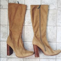 Vintage Suede Boots Vintage looking Suede Boots. Gently worn! Size 9w. But would fit size 8-8 1/2 as well because of style of boots. Offers accepted✨ Free People Shoes Heeled Boots