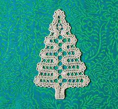 Para Navidad: Patrón Aplique en forma de pino en encaje de brujas