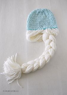 Frozen Inspired Elsa Braided Hat by Amber Simmons. Free pattern via Ravelry.