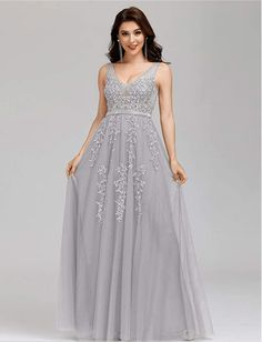 Looking for Gorgeous and amazing bridesmaid dresses to get your girlfriends? Find bridesmaid dresses long sleeve beautiful, elegant bridesmaid dresses classy gowns, mermaid long bridesmaid dresses, affordable bridesmaid dresses, beautiful grey bridesmaid dresses, bridesmaid dresses ideas color schemes, and other unique bridesmaid dresses ideas! Just perfect for your wedding. #bridesmaiddressesideas #bridesmaid #longbridesmaiddresses #wedding #bridesmaiddresses #greybridesmaiddresses Emerald Green Bridesmaid Dresses, Champagne Bridesmaid Dresses, Bridesmaid Dresses With Sleeves, Affordable Bridesmaid Dresses, Beautiful Bridesmaid Dresses, Classy Gowns, Classy Dress, Smart Dress, Luxury Dress