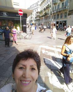 Calle Torino-Milano #viatorino #caldo #calor #milanodavedere #milanodemirar #bellagiornata #lindodia #instamoment #instacool #shopping #unaarequipeñaenmilán #Milano #italia by hortenpp