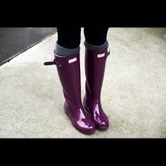 I just discovered this while shopping on Poshmark: Hunter Tall Gloss Rain Boots  5 M/6 F Dark Ruby. Check it out! Price: $125 Size: 6, listed by carolinesm