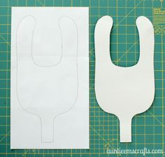 Free Binky Bib Pattern and Tutorial by AuntieEmsCrafts.com