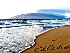 ALOHA write in the sand for family photos!