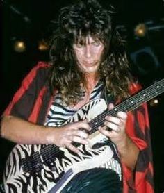 Criss Oliva One Bad Ass Underated Guitarist. No longer with us.....