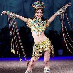 Traje de Fantasía inspirado en las Riquezas Minerales para Maira Rodríguez en el Miss Earth 2014..