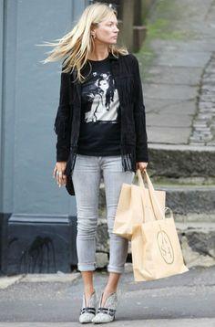 8/31 #ケイト・モス #フリンジレザージャケット #グレースキニー #アニマル柄ブーティの画像 | 海外セレブ最新画像・私服ファッション・着用ブランドチェック Daily…