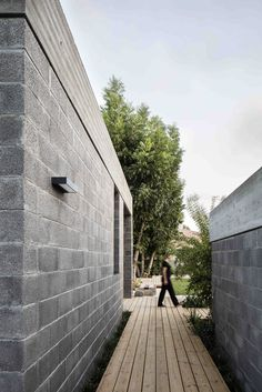 Gallery of Bare House / Jacobs-Yaniv Architects - 3