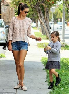 Alessandra Ambrosio with her daughter in the streets of  Brentvud