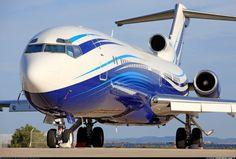 Boeing 727-2X8 (love the streamlined paint scheme)