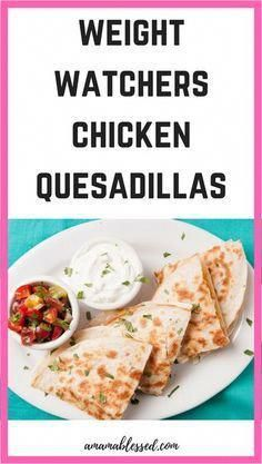 Weight Watchers Chicken Quesadillas Are you looking for a quick and easy Weight Watchers Freestyle r Poulet Weight Watchers, Plats Weight Watchers, Weight Watchers Chicken, Weight Watchers Meals, Lunch Recipes, Dinner Recipes, Healthy Recipes, Healthy Foods, Drink Recipes
