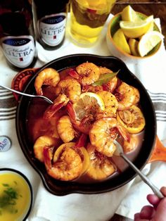 Looking for a healthy, low-carb recipe for Mardi Gras? These quick and easy steamed shrimp use light beer and Cajun seasoning to add lots of flavor without all the extra calories. YUM!  #MichelobULTRA #LiveULTRA #adventure