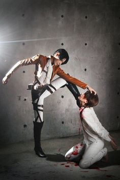 Levi and Eren Jaeger Cosplay (Attack on Titan)