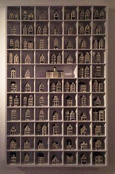 Large cabinet for KLM Blue Delft Houses, miniatures. Grote letterbak voor KLM Delfsblauw huisjes.