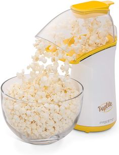 What Is The Best Popcorn Maker? Watch here is the best popcorn maker. Best Popcorn Maker, Popcorn Cart, Hot Air Popcorn Popper, Air Popper, Microwave Popcorn, Gourmet Popcorn, Essential Kitchen Tools, Basic Kitchen, Specialty Appliances