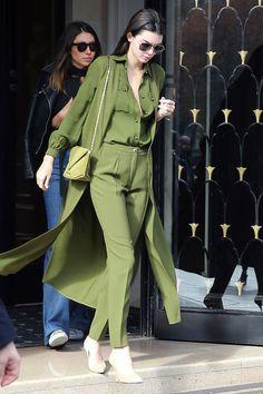 Kendall Jenner en total look Elie Saab à Paris en octobre 2015