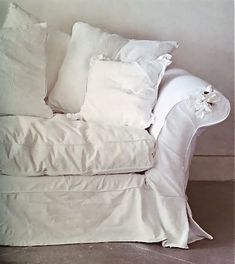 White Denim Slipcovered Couch @Sharon Macdonald Oleaga Mom, say hello to your next sewing project!