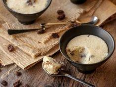 La meilleure recette de gâteau de semoule au Thermomix ! De la semoule, du caramel et de bons raisins, idéal pour satisfaire petits et grands « creux » :)
