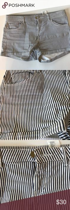 H&M printed stripe shorts size 4 Great condition, H&M printed striped shorts size 4. Waist: 15inches, Length: 10inches front, 11.5 back. Dark navy blue and white/ H&M Shorts