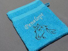 Handtücher - Waschhandschuh mit Wunschnamen und Motiv - ein Designerstück von Taeschli-und-co bei DaWanda