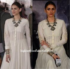 Best Trendy Outfits Part 29 White Anarkali, Anarkali Dress, Kurta Designs, Indian Attire, Indian Wear, Indian Dresses, Indian Outfits, Lehenga Saree Design, Indie Mode