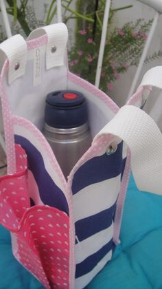 Sewing Crafts, Sewing Projects, Fondant Baby, Bottle Cover, Fabric Bags, Felt Diy, Handmade Bags, Bandana, Baby Car Seats